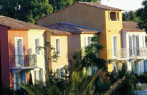 R sidence hoteli re pierre vacances la pin de hy res for Location residence hoteliere