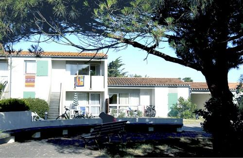 Location puilboreau 2 locations vacances et 62 aux for Club piscine ste marie